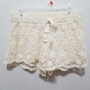 No Boundaries shorts Small crochet lace lined boho